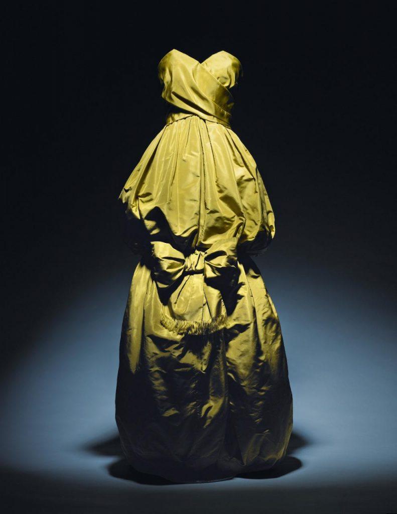 Christian Dior, Paris (fashion house) Yves Saint Laurent (designer) Climène dress,  autumn−winter 1959 haute couture collection Photo © Laziz Hamani