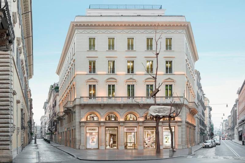 FENDI WELCOMES FOGLIE DI PIETRA : A SCULPTURE BY GIUSEPPE PENONE