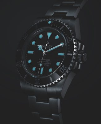 The Oyster Perpetual Submariner in Oystersteel features a Chromalight display which enables reliable reading underwater